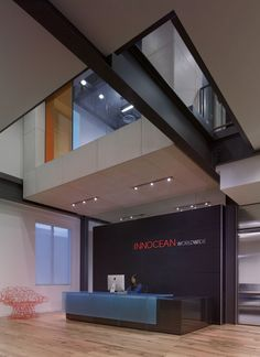Reception Desk in #Hot-rolled steel with powder-coated finish and #3Form Chroma transaction top