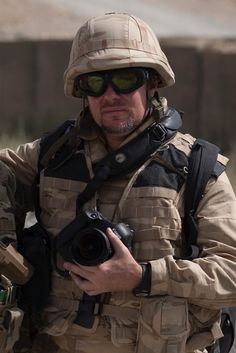 Photographe reporter guerre professionnel Strasbourg, Formation Photo, Photos, War, Pictures