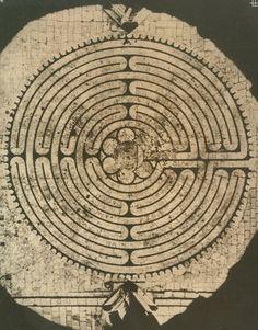 Le labyrinthe de Chartres, France.