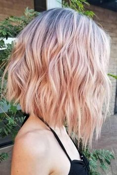 The bob hairstyles look great on women of all ages. Bob hairstyle is timeless and ageless. Here are the most glamorous bob hairstyles for women. Pink Short Hair, Pink Ombre Hair, Pastel Hair, Blonde Pink Balayage, Blonde Brunette, Outfits For Short Hair, Short Colorful Hair, Ombre Short Hair, Colored Short Hair
