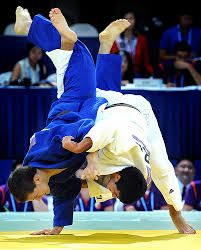 Slovakia's Arpad Szakacs fights Greece's Alexios Ntanatsidis in the boys' judo match of the Singapore 2010 Youth Olympic Games (YOG) at the Singapore International Convention Centre, Aug Slovakia's Szakacs won the bronze. Olympic Judo, Youth Olympic Games, Tyler Durden, Tai Chi, Kung Fu, Judo Training, Judo Throws, Dynamic Poses, Rio Olympics 2016
