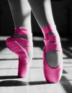 Pointe Shoes, Ballet Shoes, Dance Shoes, Ballet Art, Ballet Dancers, Ballerinas, Tienda Pink, Ballet Dance Photography, Paris Opera Ballet