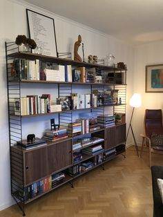 String Pocket, Bookshelves In Living Room, Bookshelf Styling, Compact Living, Liquor Cabinet, Bookcase, Interior Design, Detail, Storage