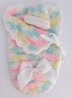 Crocheted baby bunting - a free pattern from the Soft Memories