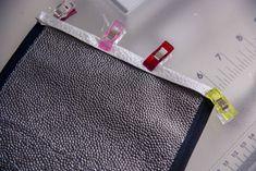 Tuto couture : La pochette Bounty de la conductrice | Les tutos couture de Dodynette Conductors, Toiletry Bag, Note Cards
