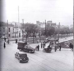 perierga.gr - Αθηναϊκοί δρόμοι πολλά χρόνια πριν! Λενορμαν 1955