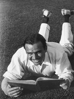 Douglas Fairbanks reads the script for his swashbuckling role as D'Artagnan in The Three Musketeers Hollywood Icons, Old Hollywood Glamour, Golden Age Of Hollywood, Classic Hollywood, Lyle Mays, People Reading, Celebrities Reading, Douglas Fairbanks, Mary Pickford