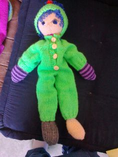 Arne og Carlos doll Dinosaur Stuffed Animal, Homemade, Dolls, Animals, Baby Dolls, Dots, Animales, Home Made, Animaux