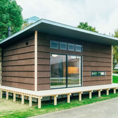 Muji is selling houses for for those Struggling to get on property ladder Maison Muji, Muji Hut, Minimal Home, Prefab Homes, Tiny Homes, Garden Studio, Construction, Timber House, Steel House