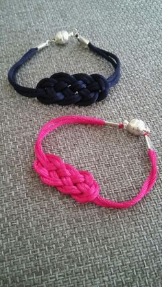 Bracelet noeud de carrick selon la video de la corderie royale !