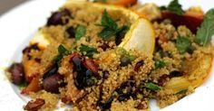 Lauras Rezept für Gegrillte Zucchini mit Couscous Salat vereint den mediterranen und orientalischen Geschmack.