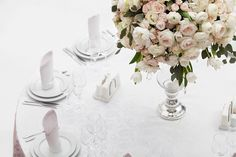 Table setting at a luxury wedding reception. Beautiful flowers on the table. Funeral Flowers, Wedding Flowers, Got Married, Getting Married, Party Venues, Flowers Online, Luxury Wedding, Christening, Wedding Reception