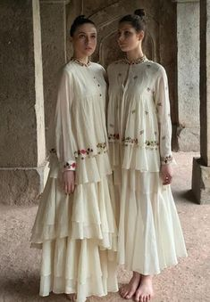 Fashion dresses - Beautiful Kurtis with modern silhouettes and traditional embellishments with embroidery and shape Pakistani Dresses, Indian Dresses, Indian Outfits, Kurta Designs Women, Blouse Designs, India Fashion, Lakme Fashion Week, Indian Designer Outfits, Designer Dresses
