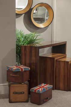 Union Jack light walnut box with aged green leather border and handles, hand-hammered pins and a simple brass lock. The flag design printed on the lid of the box. #JonathanCharles #UnionJack #Furniture #InteriorDesign #Hpmkt #Decorex