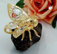 Suncatcher, Hummel mit Kristall-Glas, ein Suncatcher wird mit seinem Saugnapf an einer glatten Fläche wie Spiegel oder Scheiben befestigt, Saugnapf und Magnetpin sind mit enthalten gold-plattiert