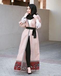 16 New ideas for fashion hijab style inspiration long cardigan Abaya Fashion, Muslim Fashion, Modest Fashion, Korean Fashion, Fashion Outfits, Cardigan Fashion, Hijab Look, Hijab Style, Hijab Chic