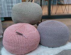 Kissen - Strick-Pouf aus Textilgarn - ein Designerstück von eigenbau-claudine…
