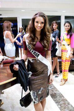 Austria 2014 Julia Furdea Miss Universe 2014, Sequin Skirt, Sequins, Austria, Skirts, Fashion, Moda, Fashion Styles, Skirt