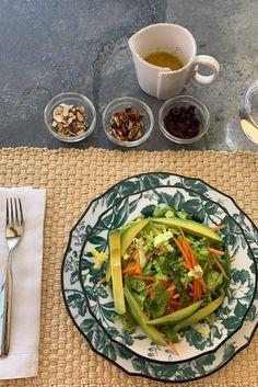Only five ingredients needed. Healthy Recipes, Dairy Free Recipes, Cooking Recipes, Yummy Recipes, Recipies, Easy Salads, Healthy Salads, Healthy Eating, Kourtney Kardashian