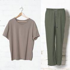 Elk   The Trött pyjama set for men comprises of a light, easy to wear 100% stone washed linen pant with an elasticated drawstring waist and side pockets. Matched with an 100% cotton drop shoulder tee.   Men's Pyjamas