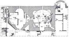 Mausoleo de Centcelles. En el conjunto se distinguen dos cámaras principales abovedadas, una de planta Cuadrada con cuatro grandes exedras semicirculares que posiblemente estuvo cubierta con una bóveda de aristas; la otra cámara de planta circular con cuatro exedras también semicirculares y una cúpula semiesférica, adornada por mosaicos muy deteriorados en la actualidad. En esta cámara hay una cripta abovedada bajo la cual se conserva otra subcripta.