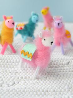 Pipe Cleaner & Wool Llamas 2019 Pipe Cleaner & Wool Llamas these would make cute Christmas ornaments The post Pipe Cleaner & Wool Llamas 2019 appeared first on Wool Diy. Fun Craft, Cute Crafts, Easy Crafts, Craft Ideas, Kids Crafts, Diy Crafts Videos, Craft Tutorials, Craft Projects, Crafts For Teens To Make