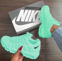 Tennis Shoes Black Leather Players Tips Referral: 9372391640 Jordan Shoes Girls, Girls Shoes, Shoes Women, Cute Sneakers, Sneakers Nike, Green Sneakers, Souliers Nike, Nike Shoes Air Force, Aesthetic Shoes