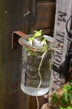 Diy Bird Feeder, Romantic Shabby Chic, Shabby Chic Farmhouse, Driftwood Crafts, Natural Styles, Garden Ornaments, Ikebana, Permaculture, Garden Art
