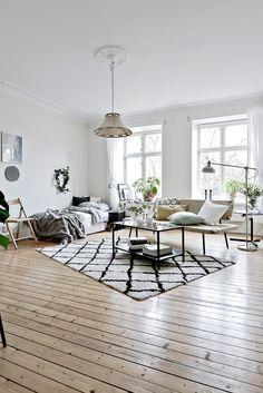 les 25 meilleures id es de la cat gorie essentiels premiers appartement sur pinterest liste de. Black Bedroom Furniture Sets. Home Design Ideas
