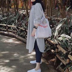 Modest Fashion Hijab, Hijab Style Dress, Pakistani Fashion Casual, Iranian Women Fashion, Modern Hijab Fashion, Street Hijab Fashion, Casual Hijab Outfit, Hijab Fashion Inspiration, Muslim Fashion