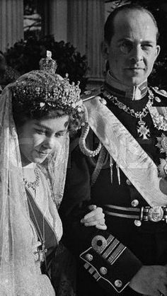 Princess Frederika of Hanover, Great Britain and Ireland, and also Duchess Frederica of Brunswick-Lüneburg weds Prince Paul of Greece