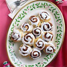 Cinnamon-Roll Christmas Tree Recipe