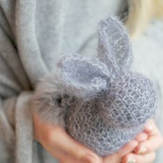 Knitted Bunny Tutorial - From one knitted square!