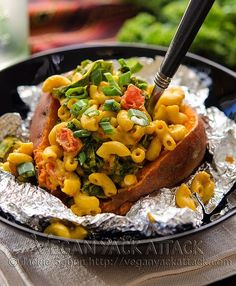 This recipe takes your loaded baked potato to a whole other level. Smoky Mac-stuffed Sweet Potatoes are delicious AND fun! Find it on Vegan Yack Attack. This is one of my go-to meals! Vegetarian Mac And Cheese, Vegetarian Recipes, Healthy Recipes, Cashew Cheese, Entree Recipes, Pasta Recipes, Vegan Vegetarian, Healthy Food, Dinner Recipes