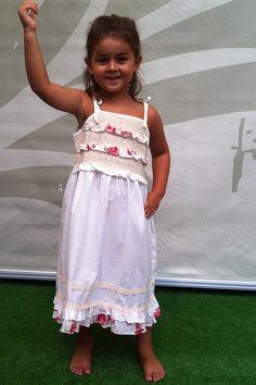Precioso vestido para niña elaborado en algodón 100% natural. Muy cómodo y fresco.