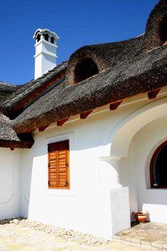 Dörgicse - tervező: Mérmű Építész Stúdió Traditional House, Hungary, Countryside, Farmhouse, Cottage, Rustic, Mansions, House Styles, Cabins
