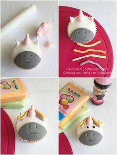 How to unicorn of eenhoorn cupcake - Carola Bakt Zoethoudertjes Unicorn Cupcakes, Fun Cupcakes, Unicorn Cookies, Ballon Party, Diy Halloween Dekoration, Cold Cake, Cupcake Drawing, Unicorn Foods, Cupcake Fondant