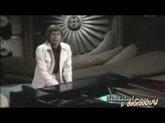 Barry Manilow - Mandy ... my favorite !!! He sang it and I was his fanilow forever!