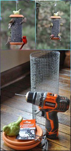 Récupérez des trucs de la maison pour fabriquer une mangeoire d'oiseaux à peu de frais et facilement!