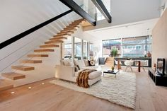 Interior Modern Living Room With Stylish Floating Staircase Design Beautiful Floating Stairs for Residence: Exposed Spatial Charm New York Condos, Interior Architecture, Interior And Exterior, Escalier Design, Duplex Apartment, York Apartment, Dream Apartment, Apartment Interior, Duplex House