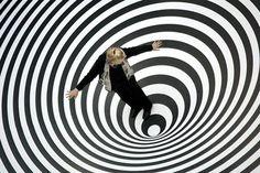 Optische Täuschungen: Wie unser Gehirn mit Illusionen umgeht (© Bild: ddp images, dapd, Thomas Lohnes)