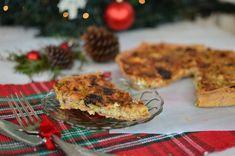 Χριστουγεννιάτικη τάρτα με δαμάσκηνα, μπέικον και πράσο Leek Tart, Tart Recipes, Plum, Bacon, Muffin, Breakfast, Food, Morning Coffee, Meals