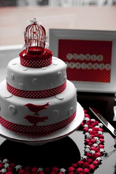 by Bloomingwell, via Flickr  Very cute - love the red!