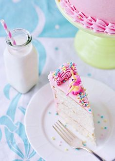 Perfectly Delightful Vanilla Cake via Sweetapolita