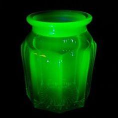 Antique-Late-1800s-Hefty-Uranium-Glass-Biscuit-Jar-4-034-x5-75-034-Missing-Lid-EXC