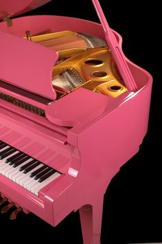 bebe wants this pink piano to sit next to her daddy's baby grand and play... okay, someday <3 @Jill Gleaves Barker @Julie Smith