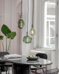 Natural Home Decor Retro Home Decor, Cheap Home Decor, Living Room Interior, Room Decor Bedroom, Led Color, Green Led, Dining Nook, Dining Table Lighting, European Home Decor