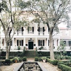Amazing Classic Exterior Designs That You Will Love - Awesome Indoor & Outdoor