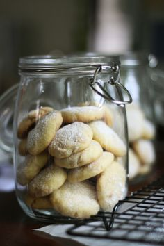 Lemon and white chocolate shortbread