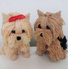 Dog in Crochet. Yarn Patterns in Tutorial Explaining Step by Step